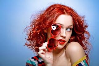 خلفيات بنات خقق - بنت جميلة شعرها لونه احمر