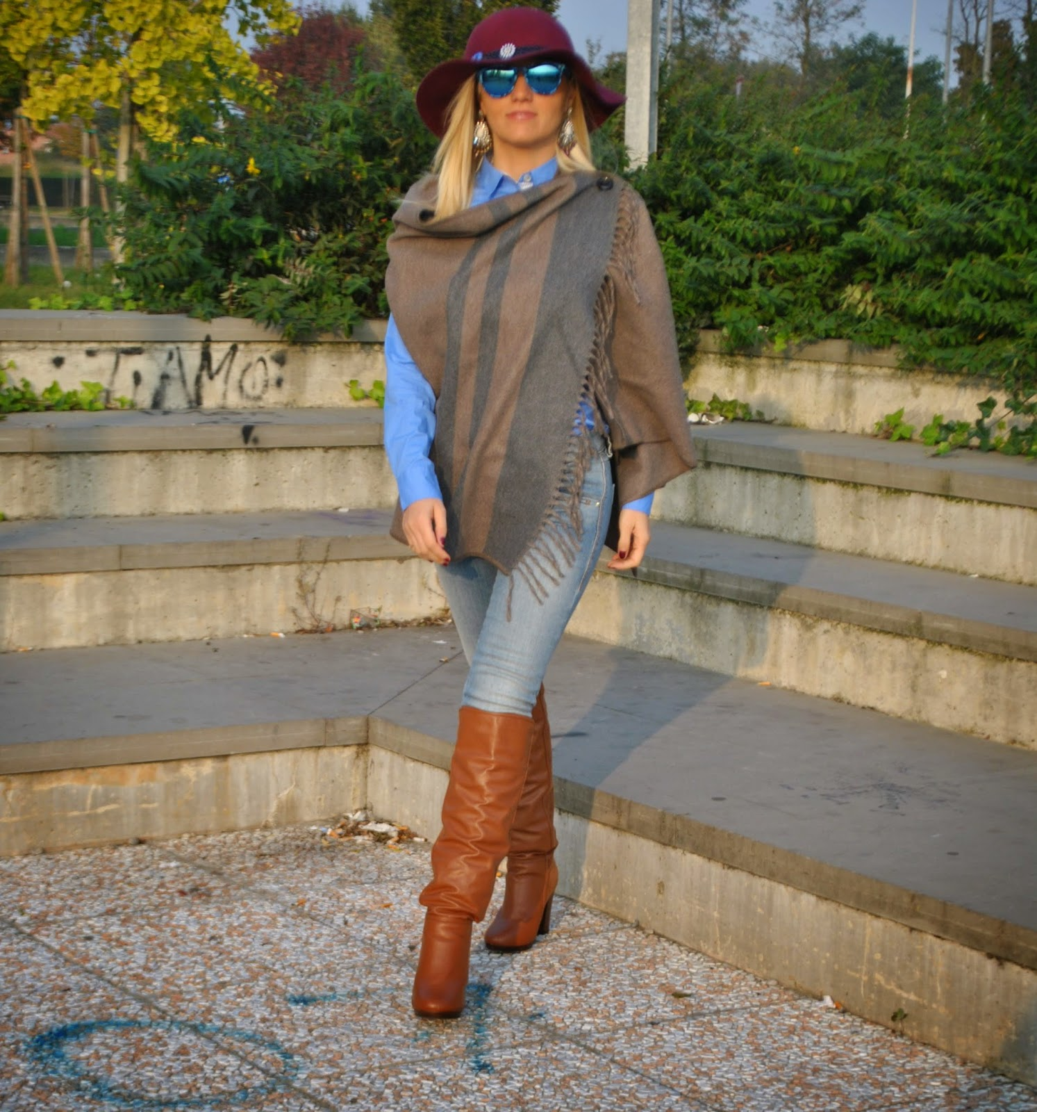 autumnal outfit  how to wear cape outfit cape cape street style outfit hat fashion bloggers italy italian girl  outfit mantella outfit casual abbinamenti mantella outfit jeans e mantella outfit stivali cuissardes outfit camicia azzurra outfit jeans fornarina come abbinare la mantella outfit cappello zara jeans e stivali abbinamenti stivali e jeans orecchini majique majique london earringss zara hat fornarina botton up mantella liu jo how to wear cape outfit cape outfit autunnali outfit casual autunnali outfit ottobre 2014 fashion blogger italiane fashion blogger bionde mariafelicia magno fashion blogger outfit colorblock by felym mariafelicia magno fashion blogger di color block by felym come abbinare il cappello cappello burgundy majique london earrings