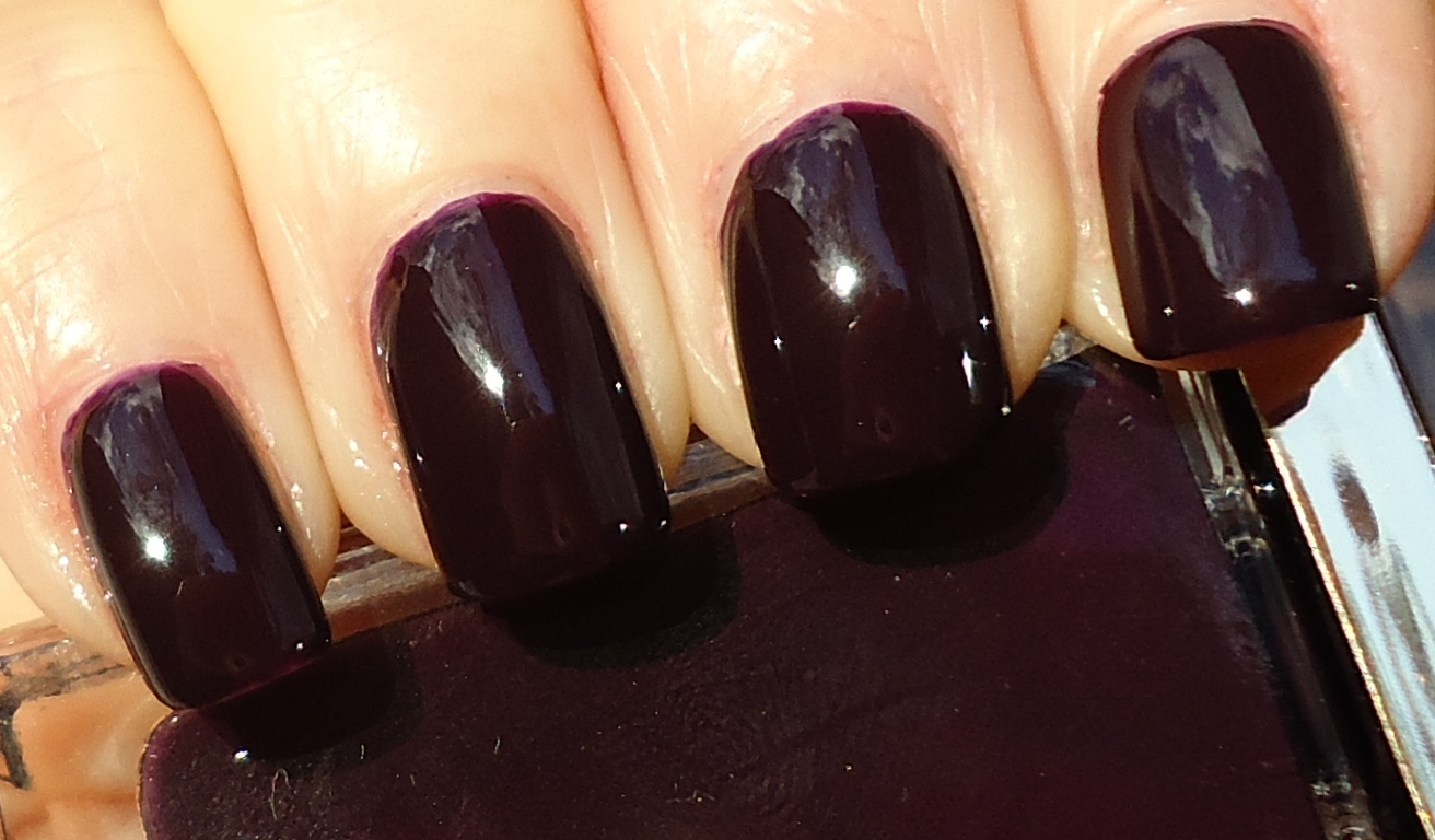 Making up 4 my age: Tom Ford Nail Lacquer: Viper