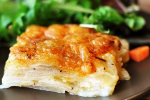 The Bestest Recipes Online: Cheesy Au Gratin Potatoes