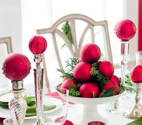 centro de mesa natal com bolas