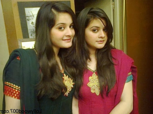 Aiman Khan And Minal Khan pics