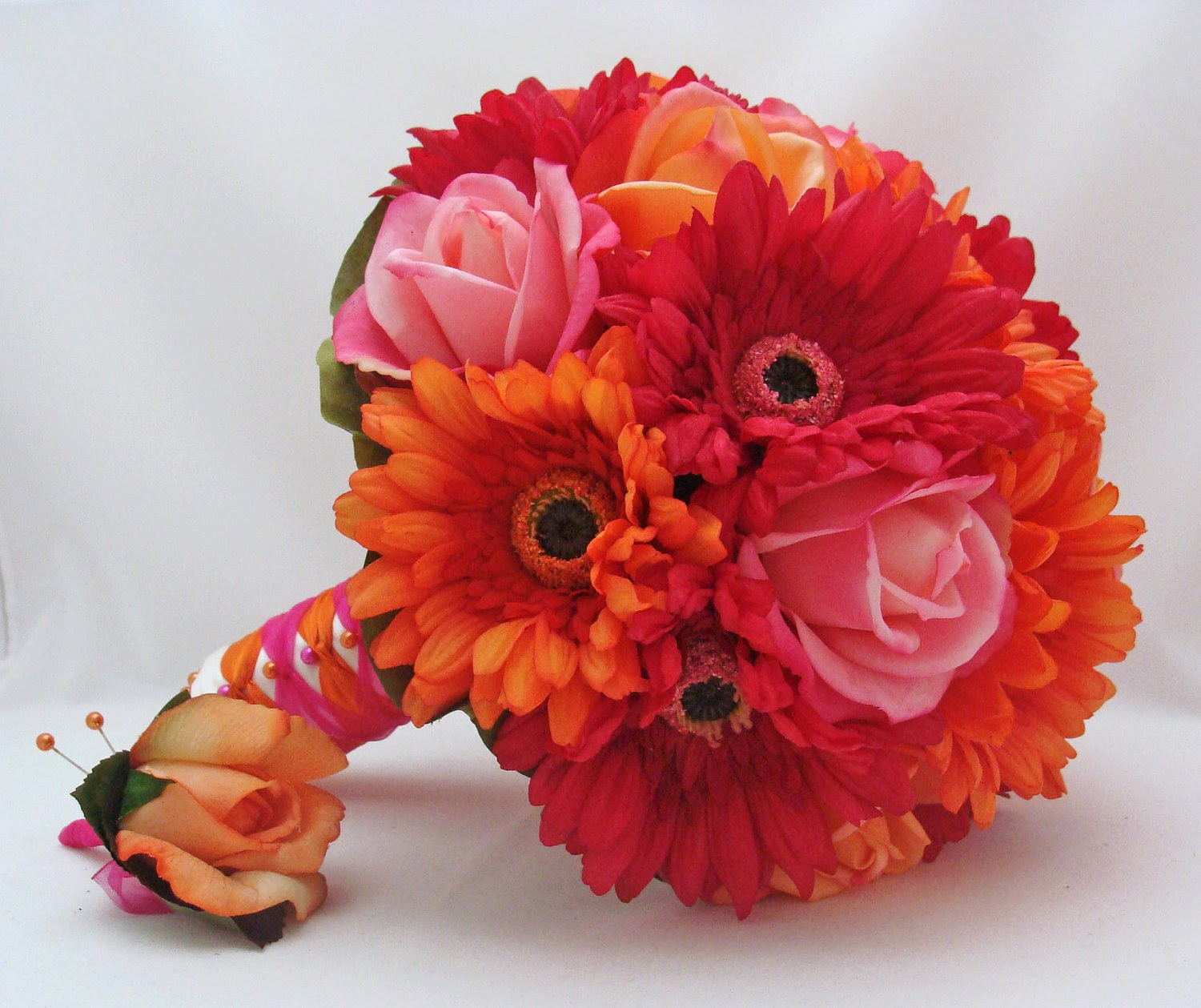 orange and pink gerbera daisy bouquet