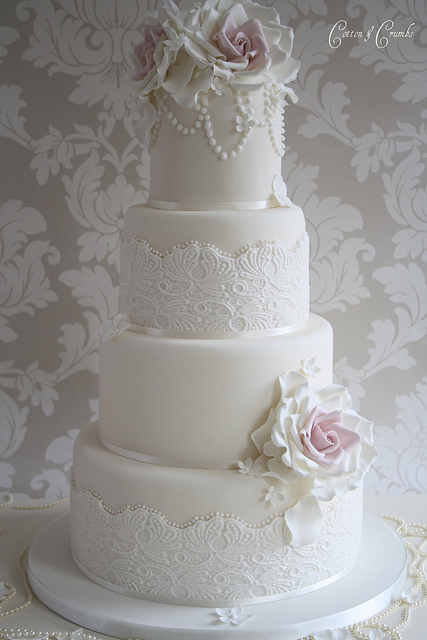 And how amazing is that cake stand So perfectly vintage with lace and
