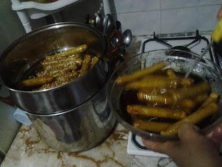 حلويات رمضان 2013:سكار باللوز والسميدة والزبيب بالمراحل المصورة
