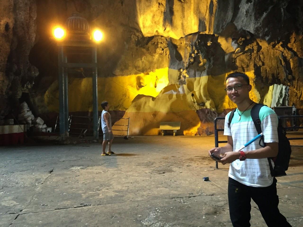 Backpaker Ke Batu Caves Malaysia