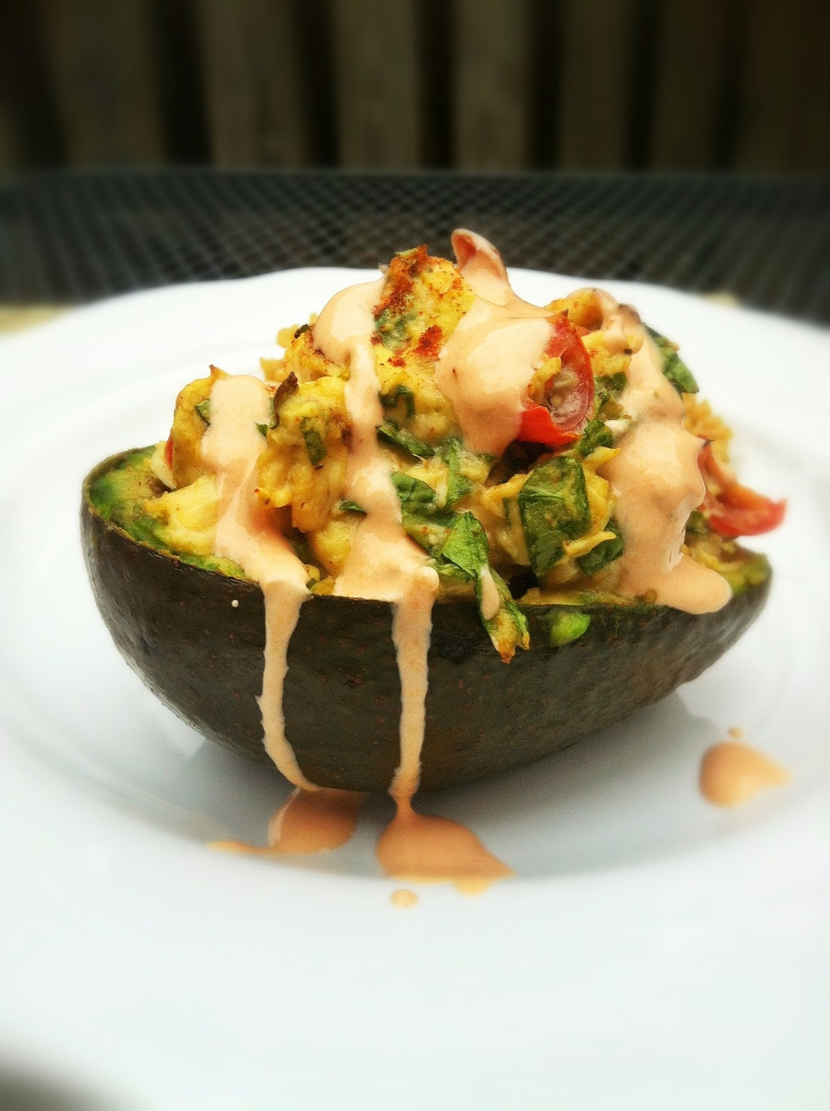 Taylor made spicy chicken spinach tomato stuffed avocado with a spicy chicken spinach tomato stuffed avocado with a sriracha greek yogurt sauce forumfinder Image collections