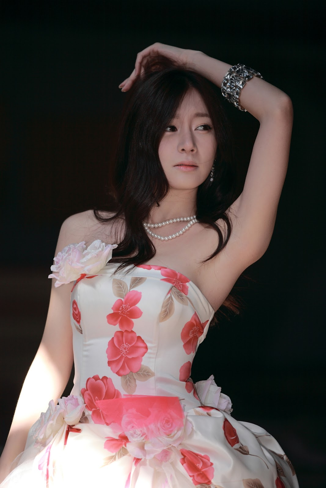 xxx nude girls: Han Ji Eun in Pink
