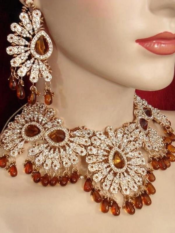 Bridal jewellery earrings