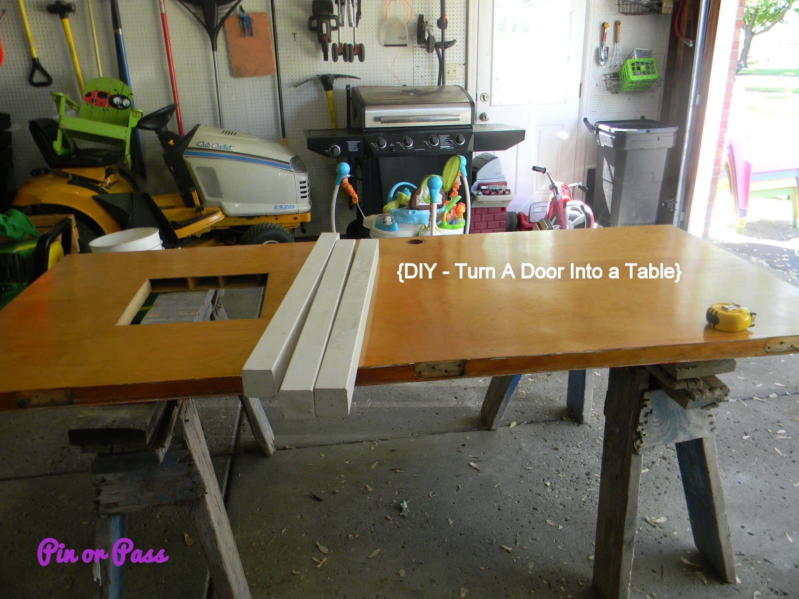 Pin or pass diy picnic table and updated plastic chairs for How to turn an old door into a table