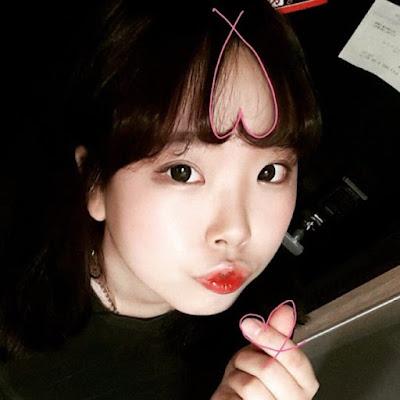 Poni Rambut Bentuk Hati ala Korea