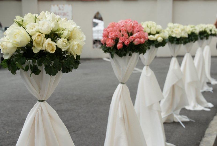 Palette: Flower Stand & Simple Bouquet Arrangements (D.I.Y)