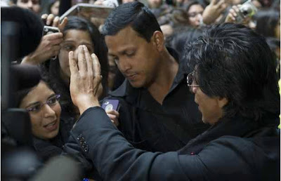 Shah Rukh Khan was welcomed by fans at Vancouver International Airport