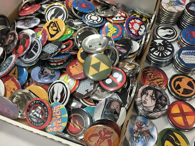 wizard world comic con des moines buttons