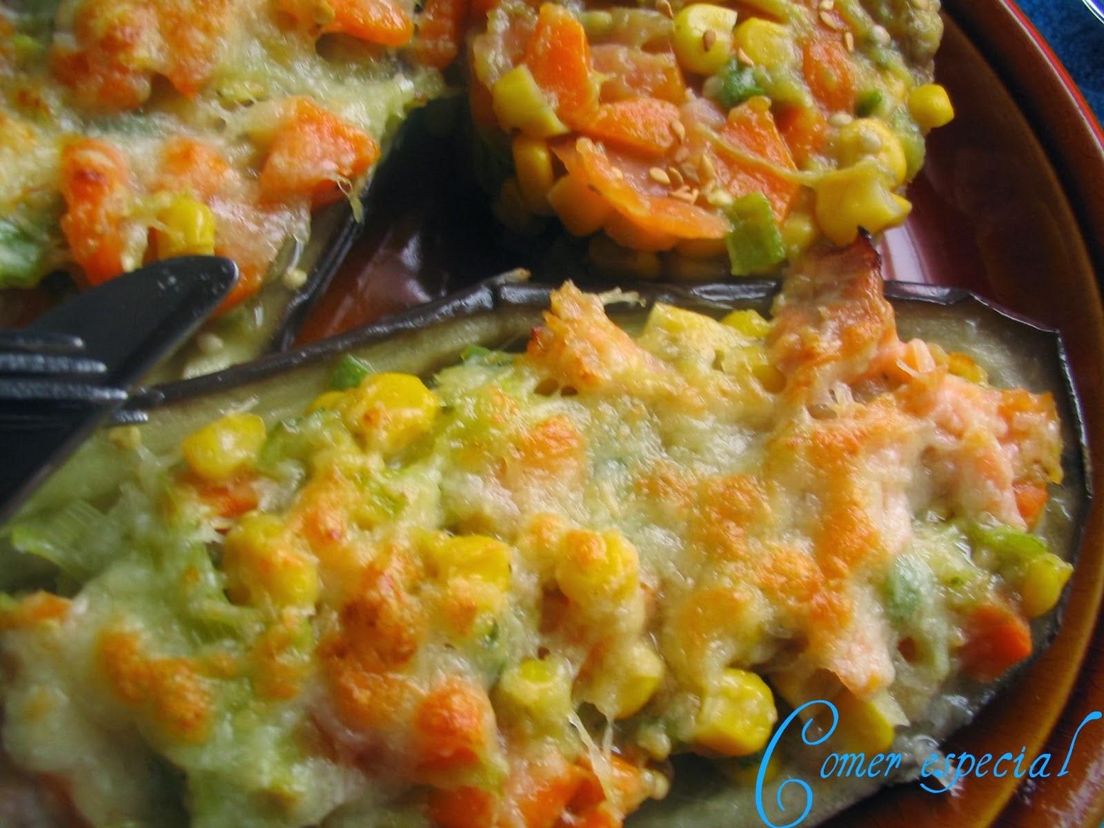 http://www.comerespecial.com/2013/03/berenjenas-rellenas-de-salmon-ahumado-y.html