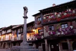http://101lugaresincreibles.com/2015/05/los-35-pueblos-mas-bonitos-de-espana.html