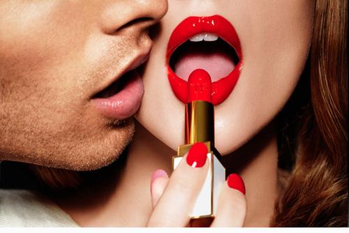 labios rojos mujer para besar