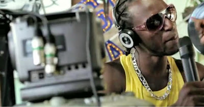 Jornalista francesa vai a salvador e escreve artigo sobre a vida do jovem rapper negro Davi da comunidade de pernambués