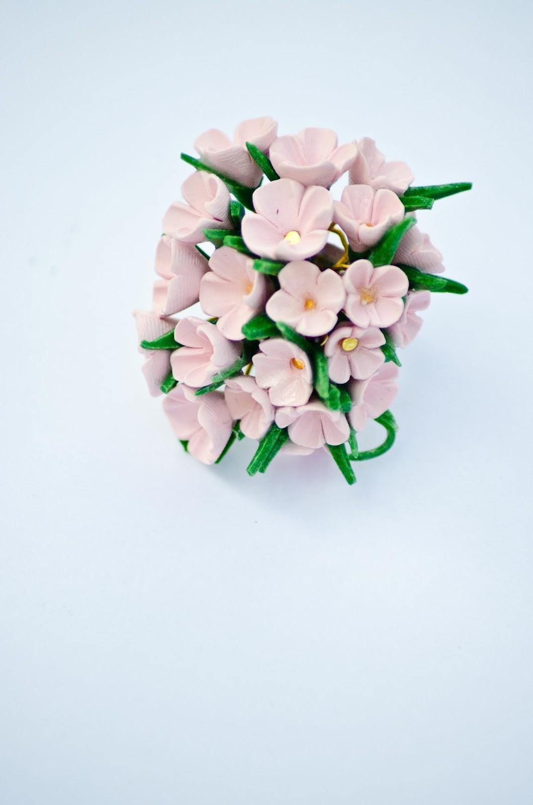 Украшения своими руками цветы