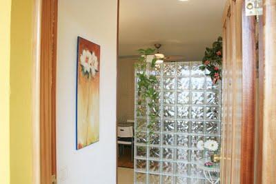 Modernas paredes de vidrio elegant house design - Cocinas con bloques de vidrio ...