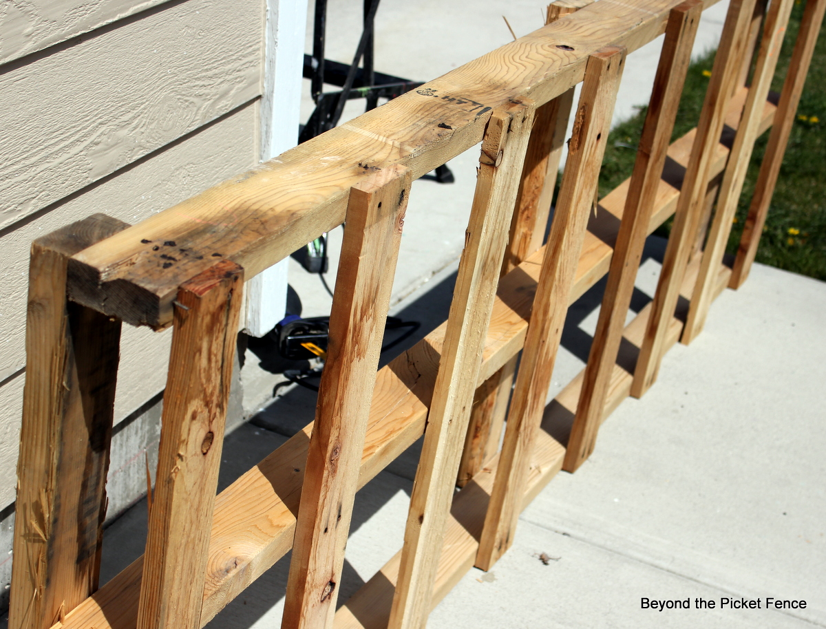 Beyond The Picket Fence Pallet Bench Tutorial