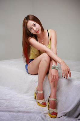 Eun Jung Beauty in Yellow