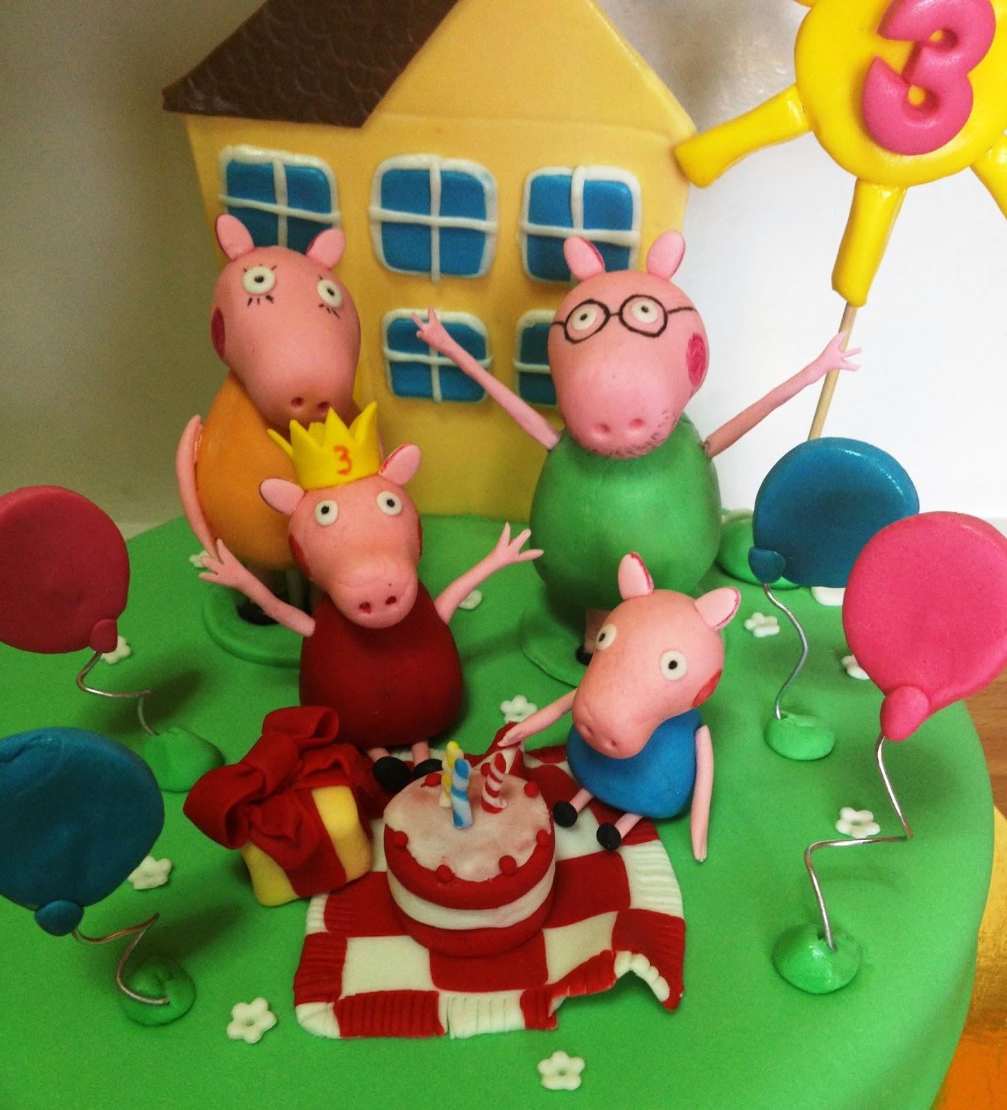 tarta fondant peppa pig; tarta pepa pig; tarta decorada peppa pig; tarta peppa pig