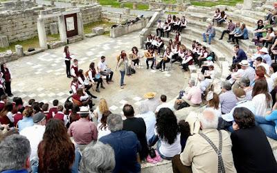 Εσείς ποιο αρχαίο θέατρο θα υιοθετήσετε;