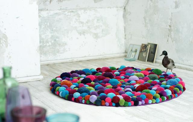 pom pom rug colours