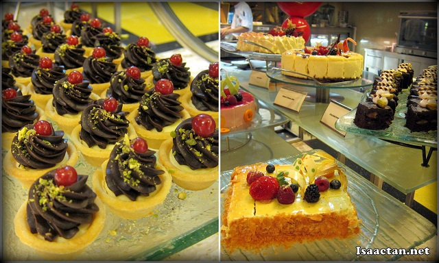 delicious cakes and desserts at Cinnamon Cofffee House One World Hotel