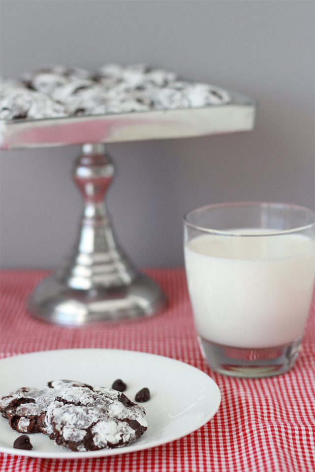 Deep Dark Chocolate Cookies - Pretty Little Details.