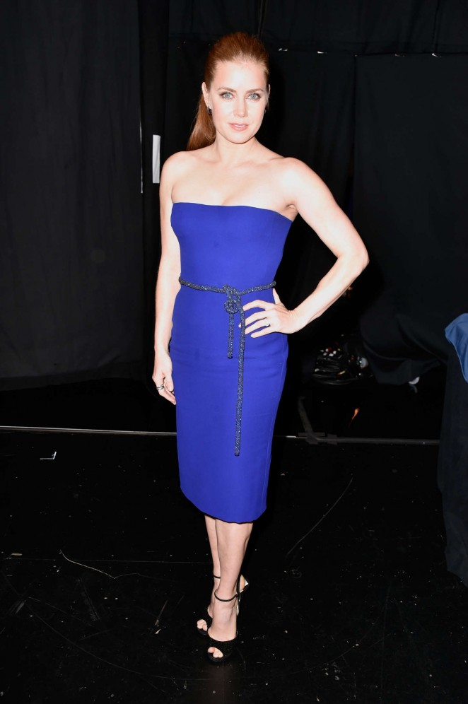 Amy Adams in a strapless blue Gucci dress at the 2015 People's Choice Awards in LA