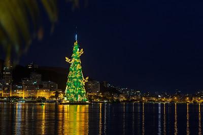 Arvore de Natal da Lagoa 2013, by Alcides Jr. / PhotoConversa