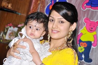 Radhika kumaraswamy and daughter Shamika