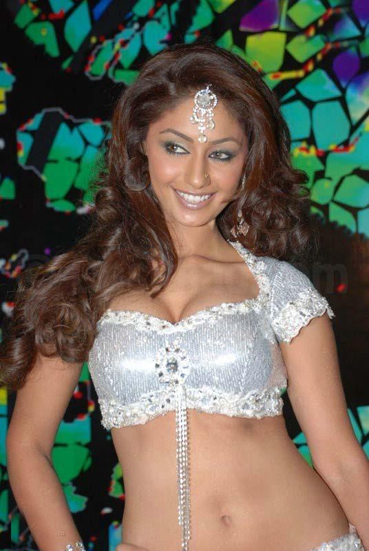 Sexy indian priya - 1 1