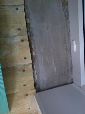 Выравниваем пол цементным раствором