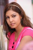 Komal Jha Glamorous Photos in Pink Top-thumbnail-20