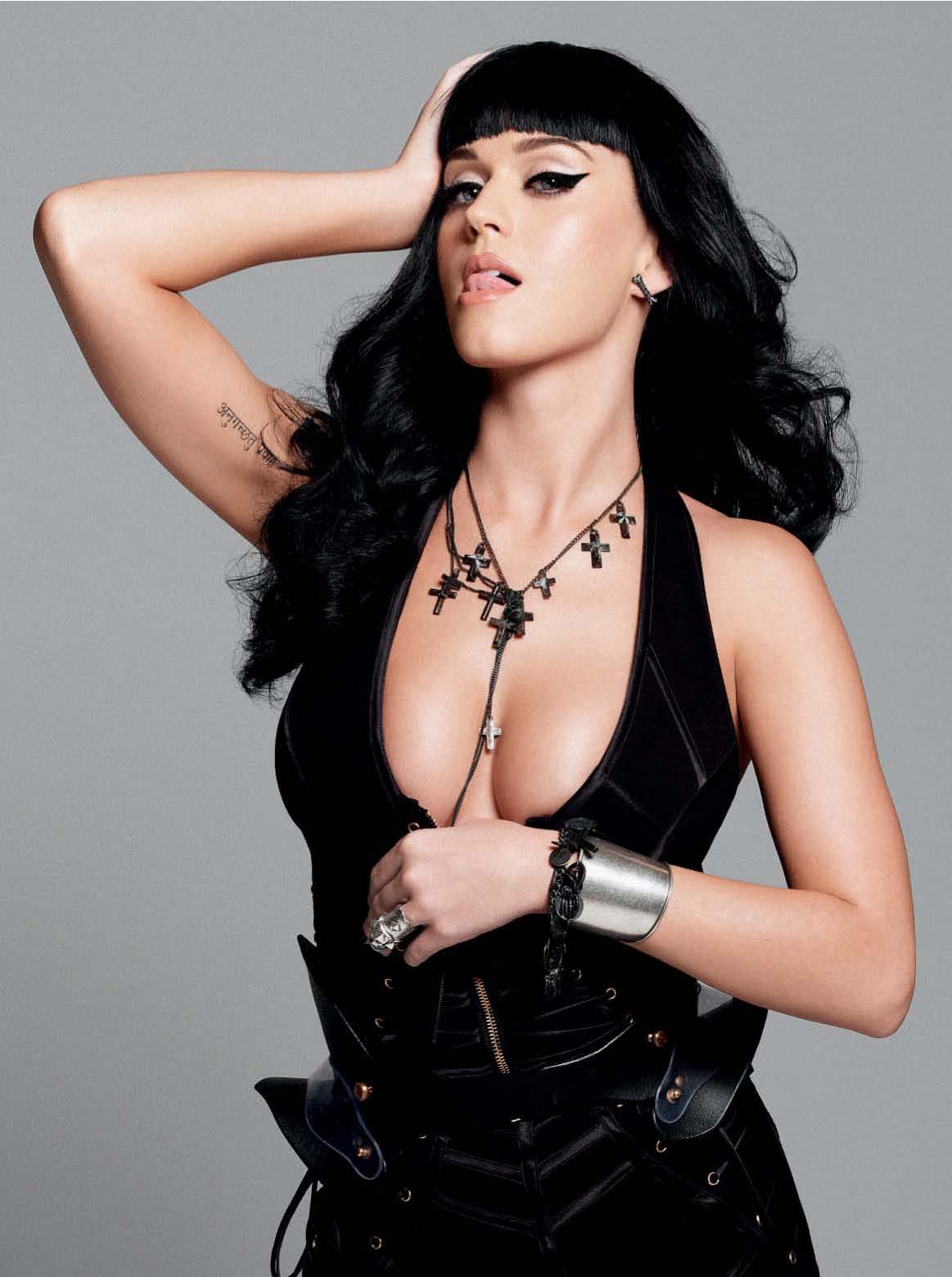 http://3.bp.blogspot.com/-baxIWZXQ6KE/TtjxLEy7YnI/AAAAAAAAEvA/EcNsCZ0i2Jc/s1600/64744_KatyPerry_Esquire_UK_August20101_122_630lo.jpg