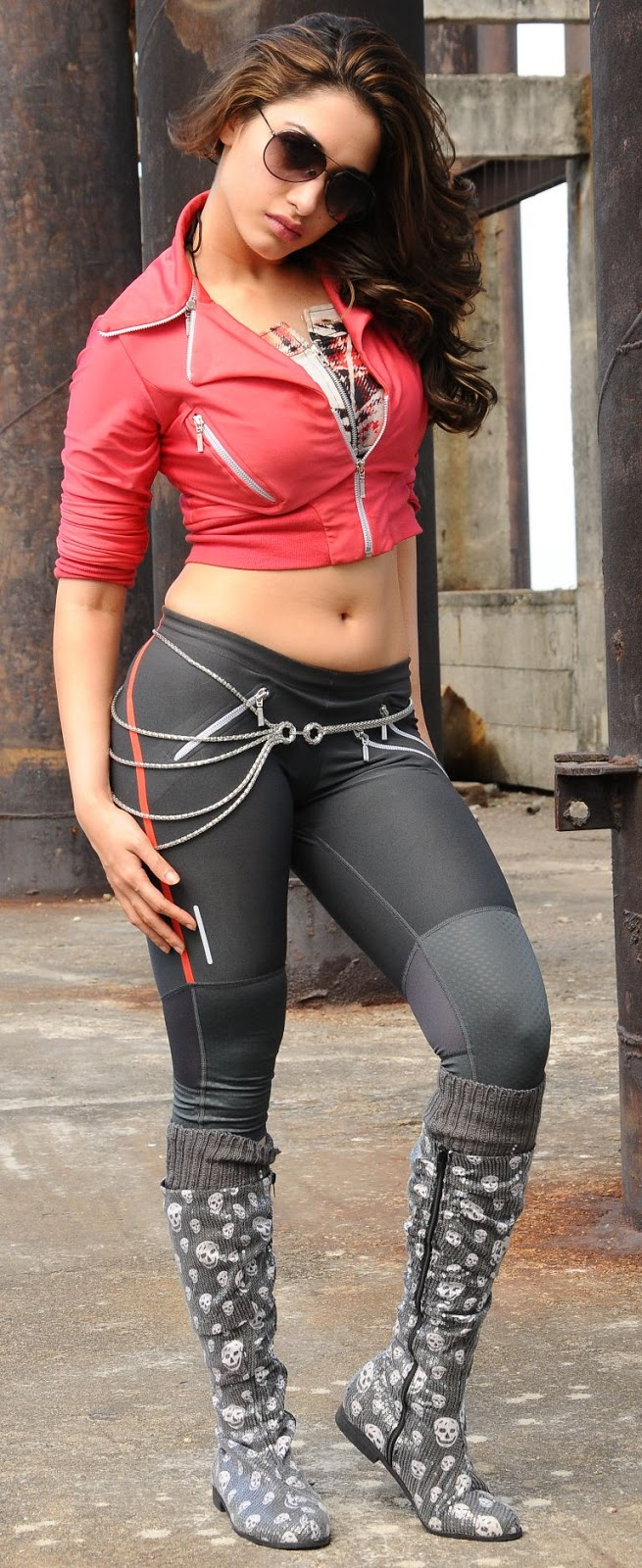 tamanna+hot+photos+in+tight+jeans