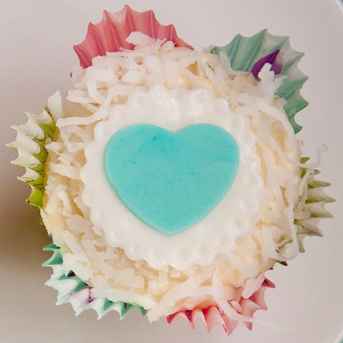 red velvet, bridal shower, coconut, cupcakes