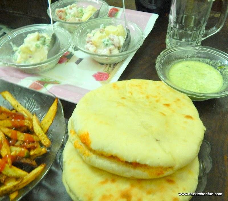 http://www.nazkitchenfun.com/2014/01/how-to-make-perfect-homemade-pita-bread.html