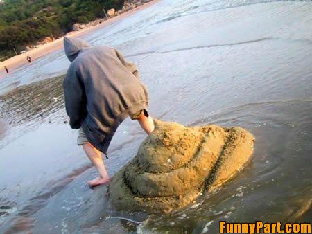 FunnyPart-com-beach_poop.jpg