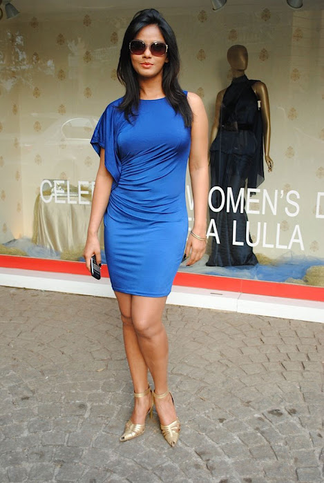 neetu chandra in blue skirt actress pics