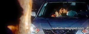 Chiquititas 2014 SBT Carol flagra Júnior Beijando Maria Cecília no Carro