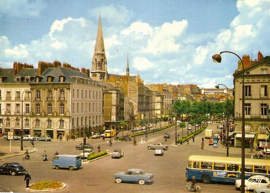 Nantes la ville d 39 apr s guerre nantes carrefour roosevelt for Piscine nantes gloriette