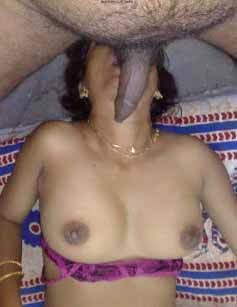 Telugu Sexy Neighbor Bhabhi Strips Blouse Showing Nude Body Images