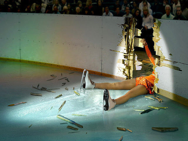 funny sports bloopers ice skating fail girl down during icoe skating | Funny Picture Of the Day 16-05-2012 | Totally Cool Pix | Big Picture | Wallpaper | sports wallpaper | funny sports bloopers wallpaper | girl | wallpaper | sports wallpaper