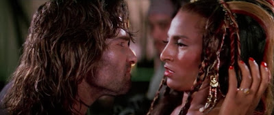 Kurt Russell and Pam Grier in Escape from LA