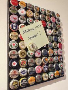 porta recados feito com tampinhas de cerveja
