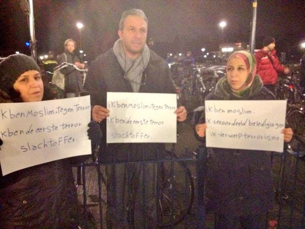 """Jan """"#JeSuisCharlie"""" Roos (@LaVieJanRoos, @PowNed) Framet Omdat Het Kan"""